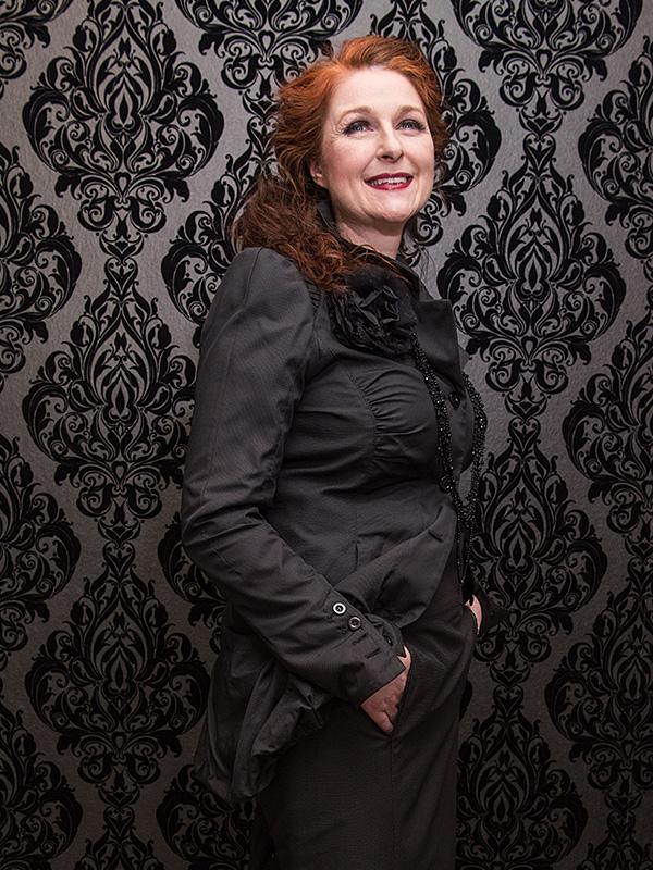 Jacke Hilda / SV . Rock Erna . Blume Noir
