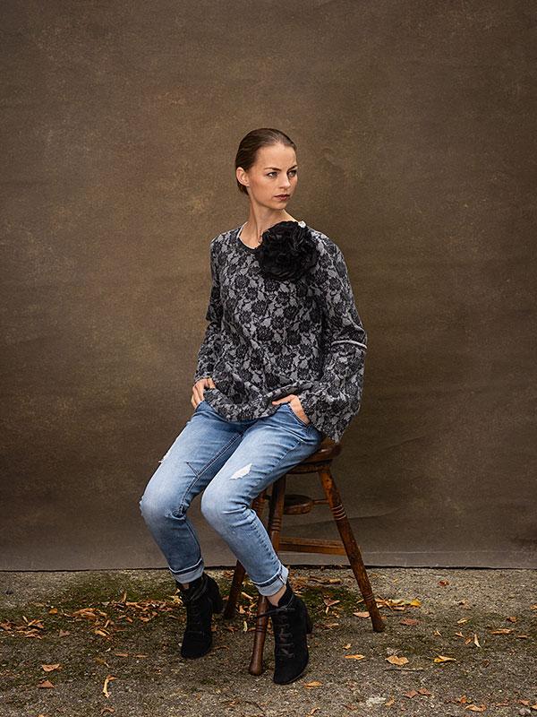 Pullover Geraldine . Blume Noir / large